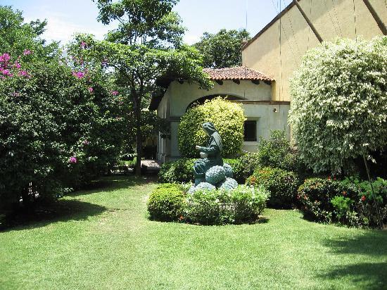 La Rojena: The hacienda grounds