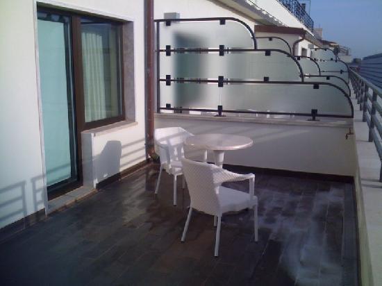 UNA Hotel Roma: Balcony
