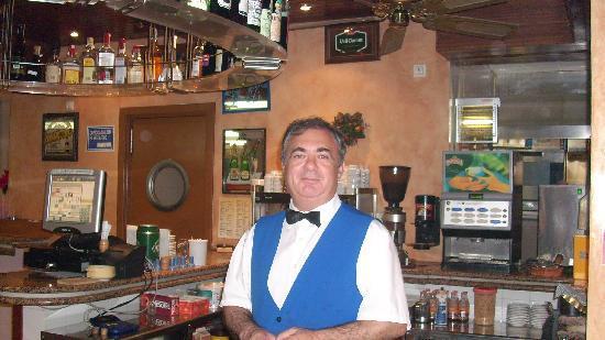 Hotel Oleander: Chef der Bar im Hotel