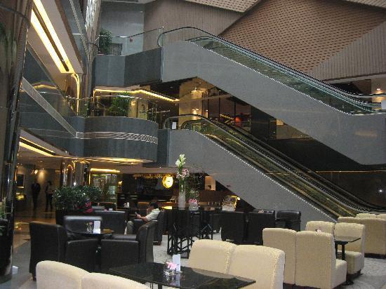 The Cityview Hong Kong: Atrium at Lobby
