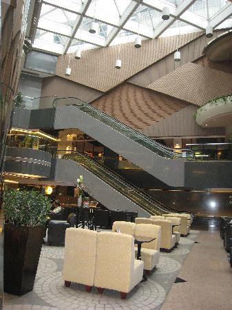 The Cityview Hong Kong: Another view of the Atrium at Lobby
