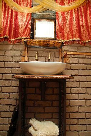 De Haven Oost Country Estate and Tourism Village: Luxury Suite G with en-suite bathroom with Shower