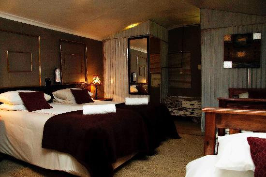 De Haven Oost Country Estate and Tourism Village: Cultural Luxury Suite B with en-suite shower