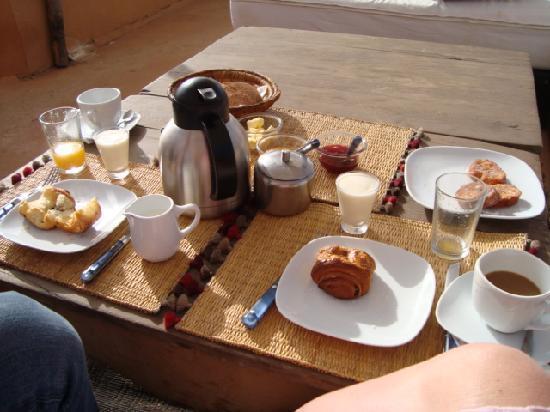Dar Hanane: breakfast on the terrace