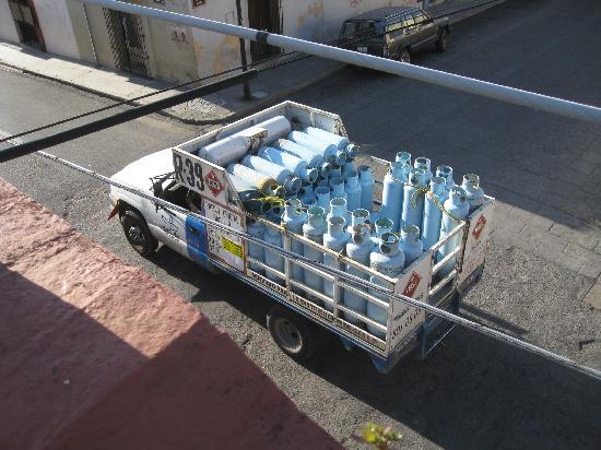 Hotel Azucenas: The Oaxaca gas truck makes its rounds in the morning