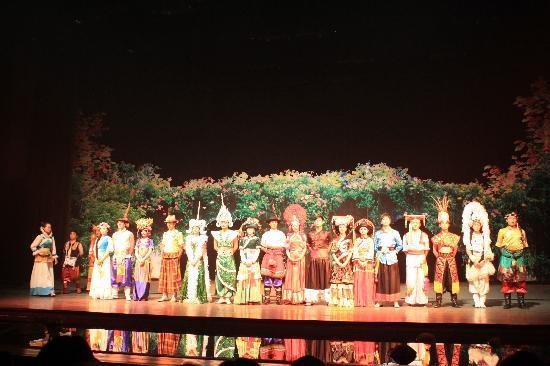 InterContinental Lijiang Ancient Town Resort: Naxi Cultural Show