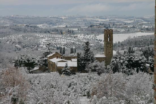 Agriturismo Podere la Cava: paesaggio con neve
