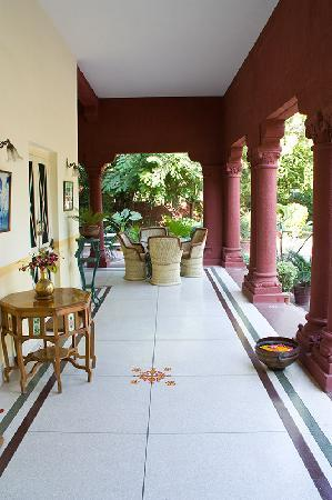 Hotel Ratan Vilas: the porch