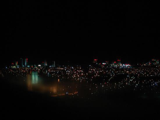 Harrah's Resort Atlantic City: Night View from 41st floor Waterfront Tower