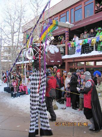 Snowmass Mountain Chalet: Mardi Gras Parade on Fat Tuesday