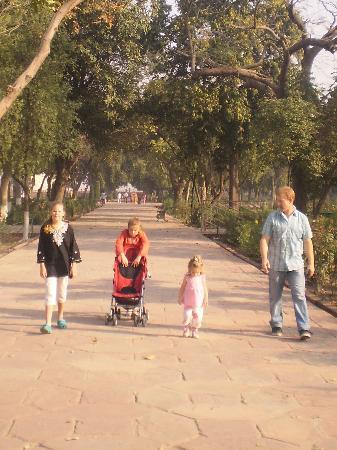 Family at the Taj Mahal