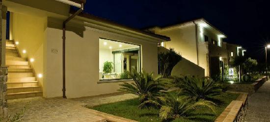 Residence Oliveto a Mare: Esterni - Reception