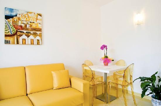Residence Oliveto a Mare: Interni . Particolare camera