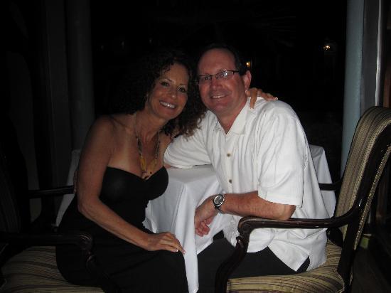 Sandals Royal Bahamian Spa Resort & Offshore Island: Enjoying a romantic dinner together.
