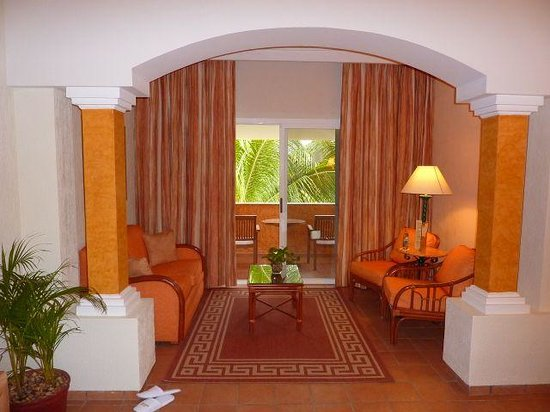 Junior Suite at Barcelo Maya Beach - Coba Building