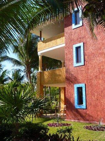 Barcelo Maya Beach: Coba Building