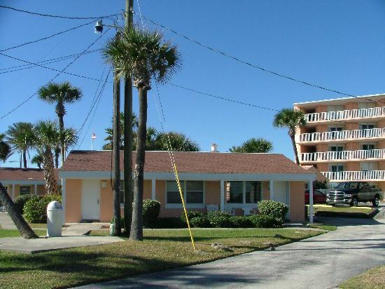 Coral Sands Inn & Seaside Cottages Ormond Beach: Two-Bedroom Cottage Facing Ocean