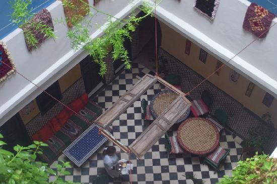 Riad Sidi Magdoul: Vue sur le patio
