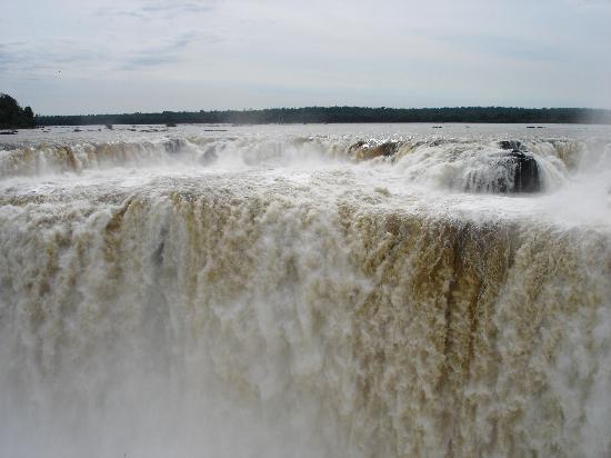 Iguazu Falls: La Garganta del Diablo(Iguaçú, Argentina)