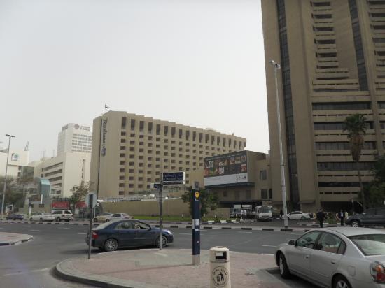 Residence Deira: Street across