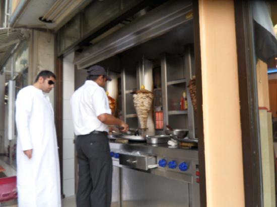 Residence Deira: Shawarma downstairs