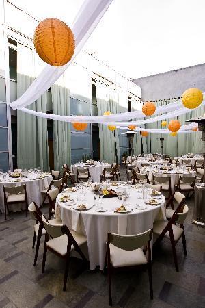 Shade Hotel: The Courtyard