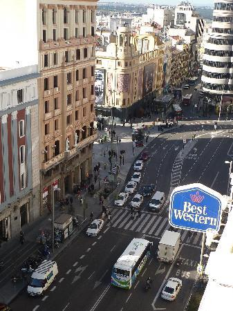 Hotel Atlantico: Another view of the Gran Via from our 8th Floor room