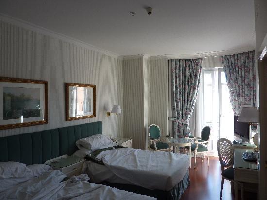 Hotel Atlantico: Bedroom view 1