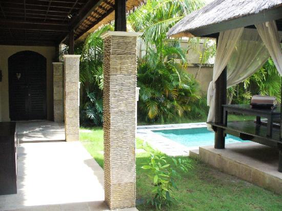 The DreamLand Luxury Villas & Spa: Entrance to our villa