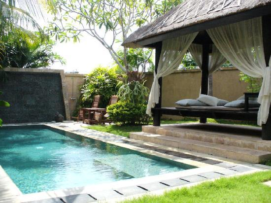 The DreamLand Luxury Villas & Spa: Upon entering our lovely villa