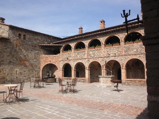 Castello di Amorosa: Wonderful winery!