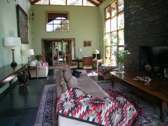 Santiago Hillside Hotel: Hotel interior