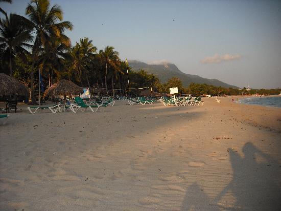 Hotel Beach House Playa Dorada: la Playa