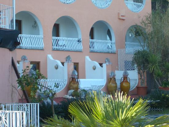 Delfini Strand Hotel Terme: stanze
