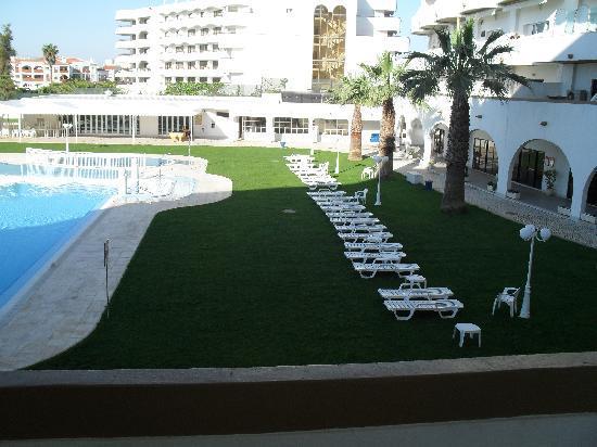 Hotel Apartamento Brisa Sol: Free sunbeds and matresses