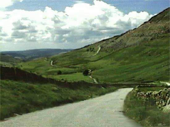 Ambleside, UK: Winding Kirkstone Pass.