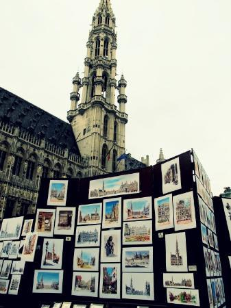 Grand-Place: In contrast