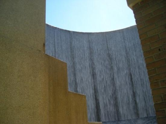 -Steps- Williams Water Wall Houston, TX Photo by Stephen Spriggs