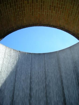 Williams Water Wall Houston, TX Photo by Stephen Spriggs