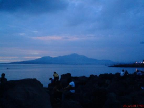Manado, إندونيسيا: Manado Tua nun disana