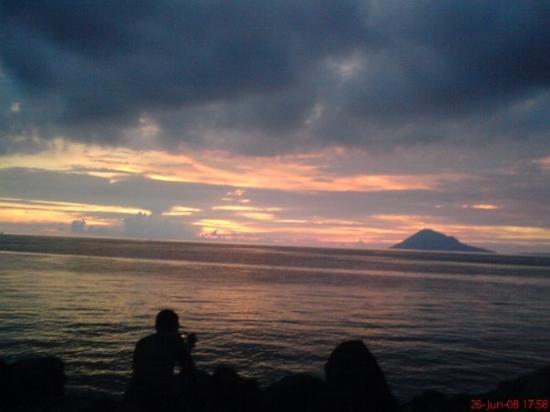 Manado, إندونيسيا: senja di Manado