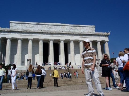 Lincoln Memorial. Homenaje al presidente numero 16 de los US. Parecido a un templo griego, const