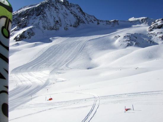St. Leonhard im Pitztal, Østerrike: detail moji lyze + ranni mansestr my ski detail and slope ready just for us