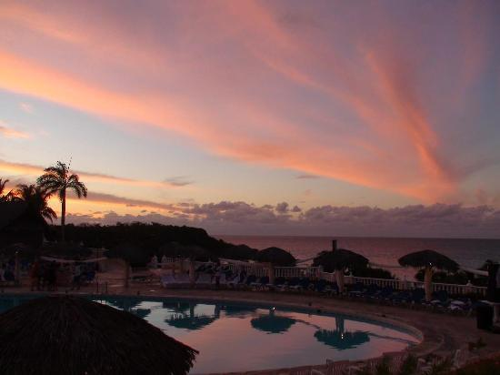 Sol Rio de Luna y Mares: sunset from our balcony