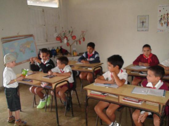 Sol Rio de Luna y Mares: in the school
