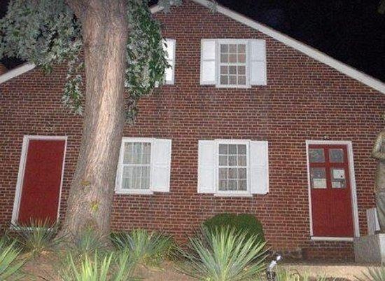 The Jennie Wade House at Night. Super Creepy Looking