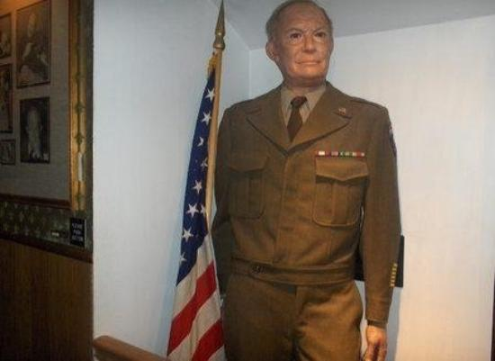 Hall of Presidents & First Ladies: Eisenhower