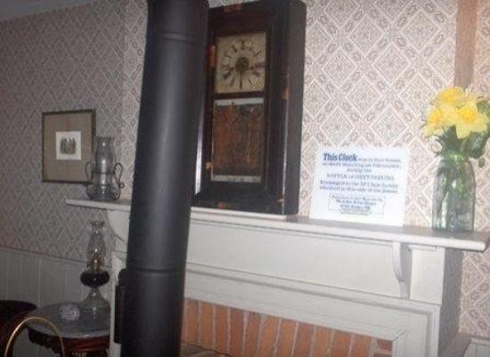 Jennie Wade House: The Original Clock From That Parlou