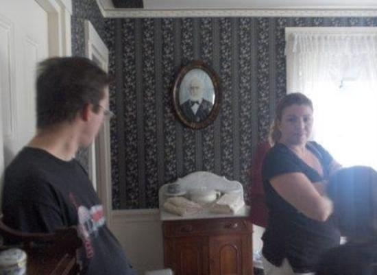Lizzie Borden House: A Picture of Lizzie's Dad on the Wall