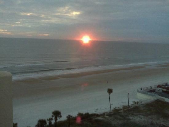 Daytona Beach, FL: Beautiful sunrise in Daytona